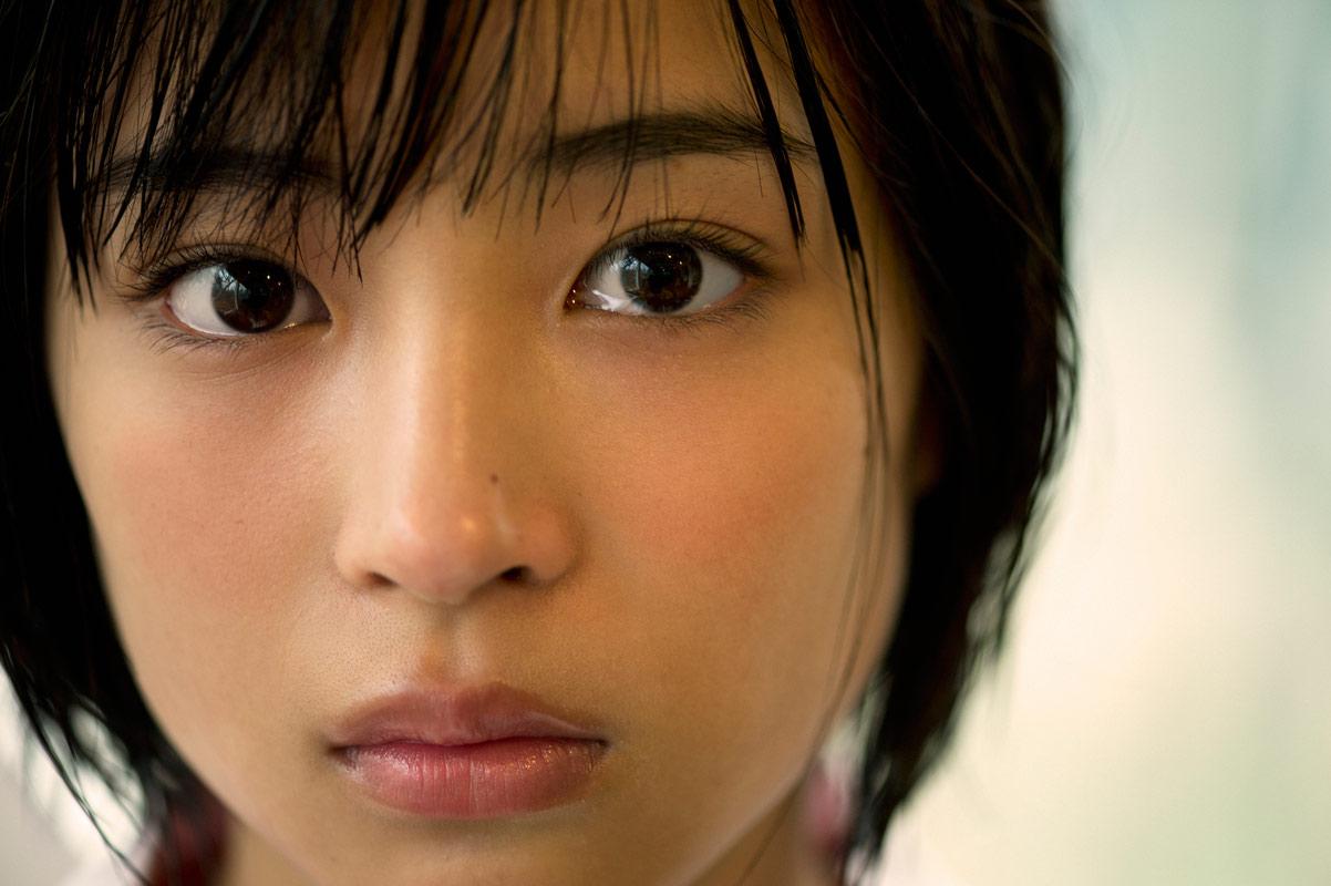 Suzu Hirose 001